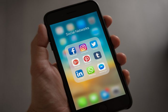 apple-applications-apps-607812.jpg showing Facebook and Instagram where they suffered the most severe outage in history.