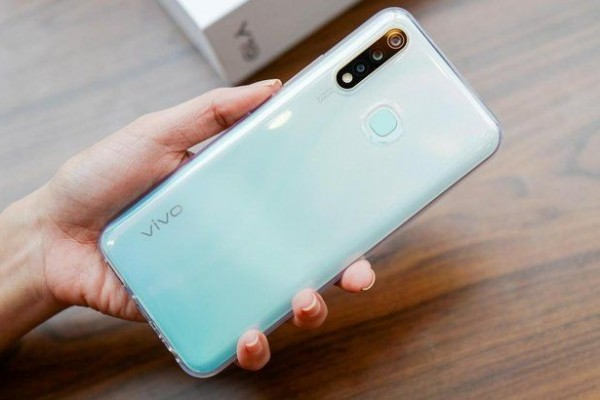 vivo Y19 first impressions and unboxing